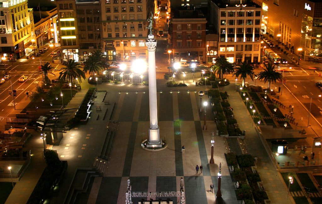 Night shot of San Francisco Union Square
